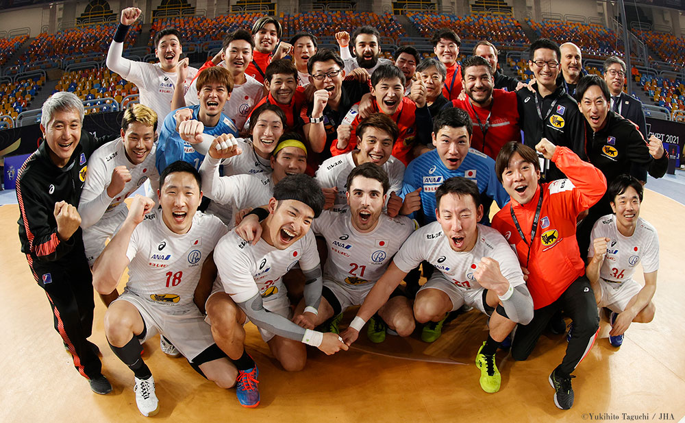 http://handball.or.jp/nationalteam/image/national_men.jpg